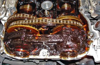 Двигатель берет масло что делать?