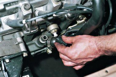 Какие датчики влияют на обороты двигателя?